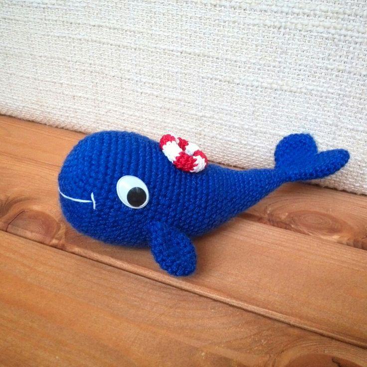 Чудо-юдо рыба-Кит. Китенок Кит связан крючком из детской пряжи.