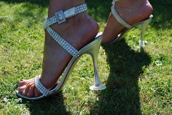 Heel stopper for outside weddings