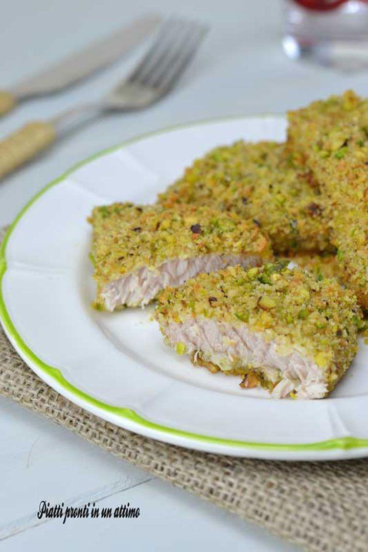 Il pesce spada al pistacchio è un piatto leggero, gustoso, veloce, salutare e ricco di omega 3 (gli acidi grassi che fanno bene al cuore ed al cervello).