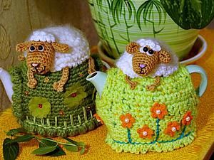 "Knit a heating pad on the kettle ""Sheep on the hill» 