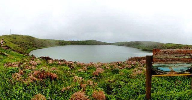 Lagoon El Junco is the only freshwater lake in #SanCristobalIsland #galapagos…