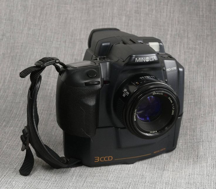 awesome Classic Minolta RD-175, 3CCD Early Digital SLR Digital camera Check more at https://aeoffers.com/product/camera-and-photo/classic-minolta-rd-175-3ccd-early-digital-slr-digital-camera/