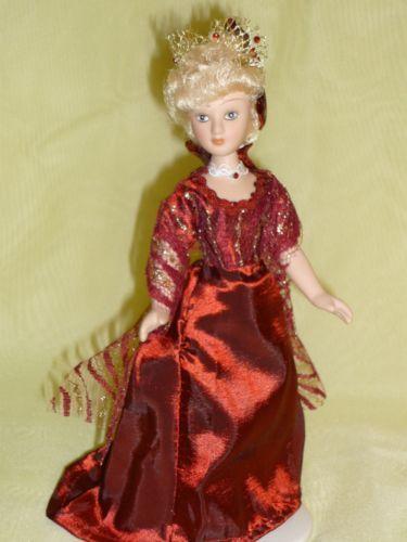 Rebecca-Sharp-Vanity-Fair-DeAgostini-porcelain-doll