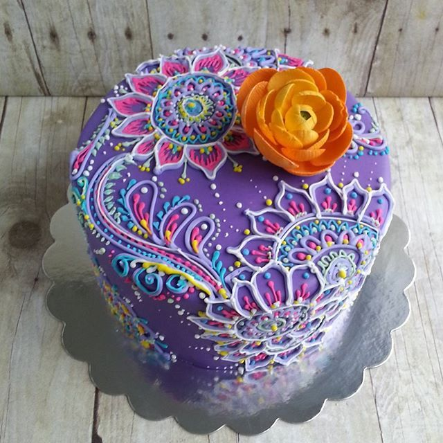 a pretty purple henna and mehndi inspired cake.