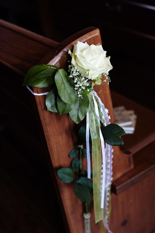 Kirchenschmuck Rose Trauung Hochzeit