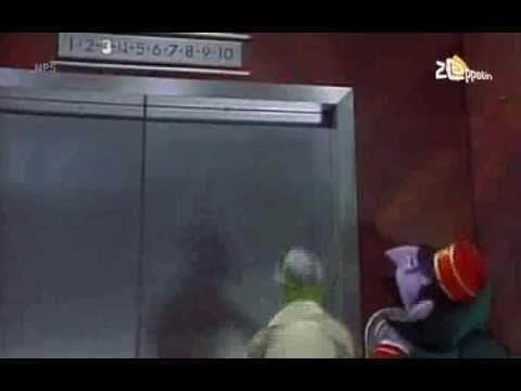 Sesamstraat - Graaf Tel als liftjongen