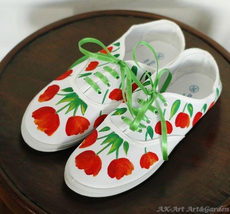 Ręcznie malowane tenisówki w tulipany / Hand painted sneakers with tulips