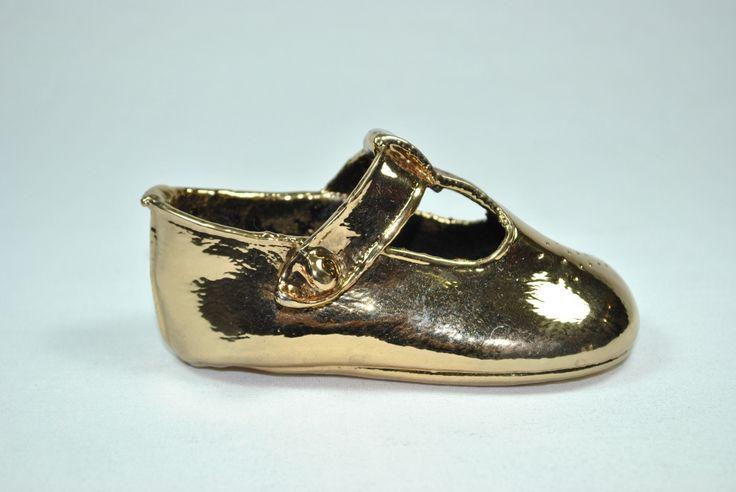 Mercedita metalizado plata.  Irulea Moda infantl y lencería femenina #irulea #donostia #sansebastian #bayfashion #modainfantil #lenceria #princesscharlotte #newroyalbaby #ropaniños #princesacarlota #zapatos #shoes