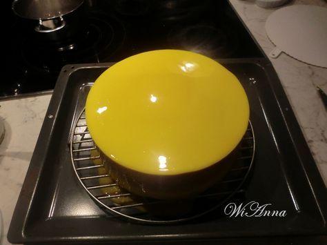 Hier wird mit Liebe gekocht: Farbige Spiegelglasur für die Torten