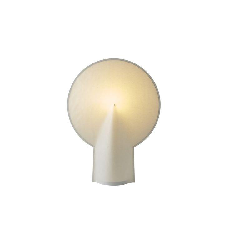 De Pion lamp van Hay is een duurzame papieren lamp dat een mooi diffuus licht geeft.  257 euro