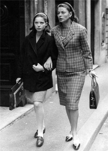 Ингрид Бергман с дочерью Изабеллой Росселлини в Риме, Италия, 1960-е.