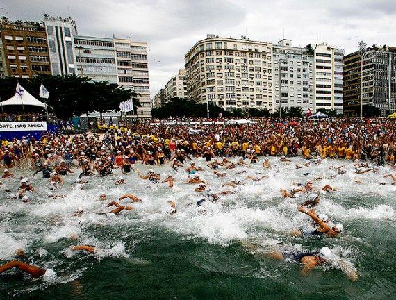 Matéria do Hiperativos sobre o campeonato de natação em águas abertas Travessia dos Fortes. As inscrições para a competição já estão abertas.