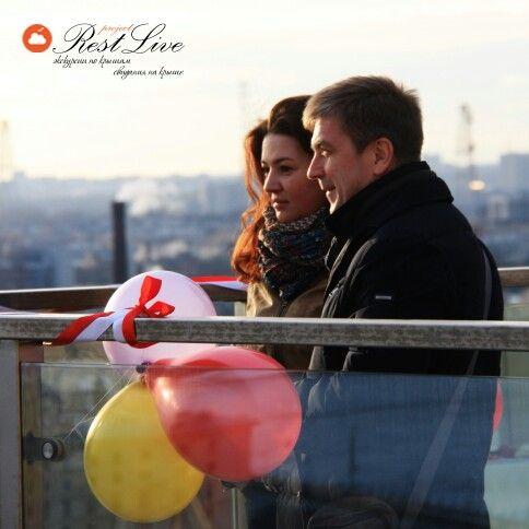 Свидание на крыше. Праздник на крыше. Экскурсии по крышам. #restlive #свидание #крыши #романтика #сюрприз #эмоции #экскурсии #праздник #свадьба #прогулки #фотограф #Путешествие #свиданиенаприроде #природа #пиник #interesting #trip #spb #piter #lookup #summer #friends #night #light #day #goodday #wedding #ceremony #romance #питер