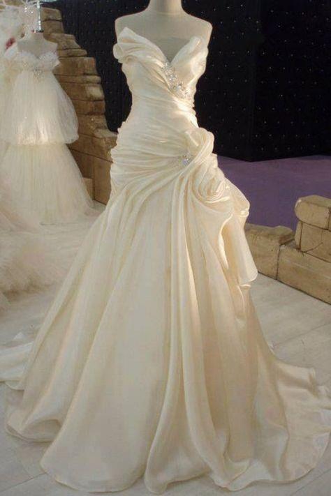Ruffled Cream Satin Wedding Dress with Beading Elegant 2018 Long Bridal Gown