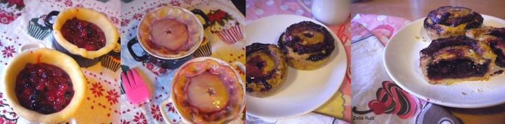 Mini pies wildberries