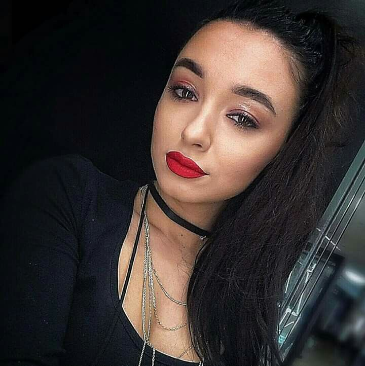 Wet Red lips #maccosmetics https://www.instagram.com/p/BcUe-panF6K/