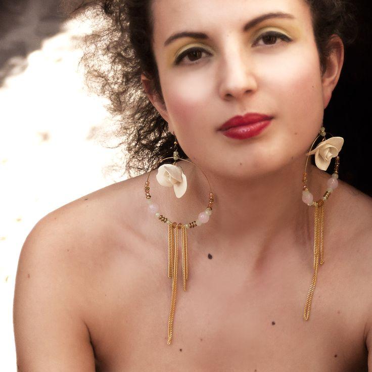 Ivory-Hoop-Earrings-wear.jpg (2000×2000)