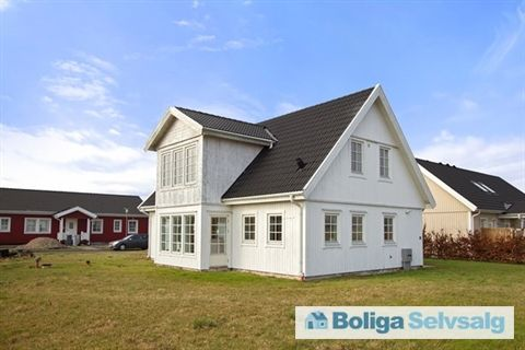Slettebjergvej 36, 4295 Stenlille - STORT lækkert, og familievenligt. #villa #stenlille #selvsalg #boligsalg #boligdk
