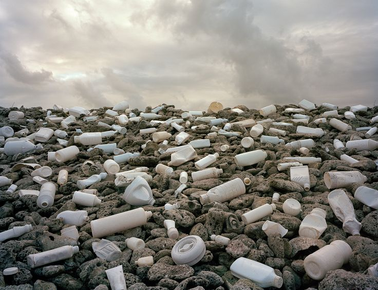Nubes - Alejandro Duran's Site-Specific Found Plastic and Trash Installations