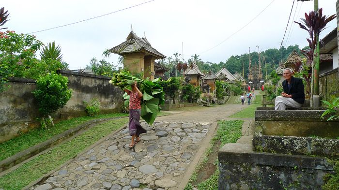 Panglipuran village in Bali is one of the villages that still uphold Tri Hitra Kirana, the Hindu philosophy to construct a building. The philosophy teaches humans to create harmony between the world occupied by human and the world of the deities. Photo by Rahma Yulianti.