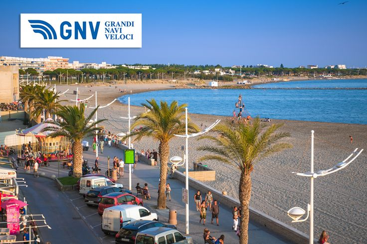 People walks on an embankment of #LeGrauDuRoi, #France. Discover #GNV routes from/to #Sete here: http://www.gnv.it/en/ferries-destinations/s%C3%A8te-ferries-france.html