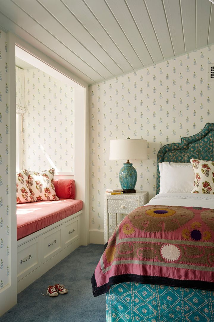 Farmhouse Bedroom With Window Seat