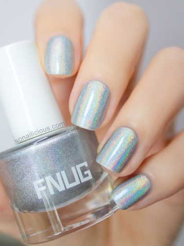 14 Awesome Manicures That Use Glitter !