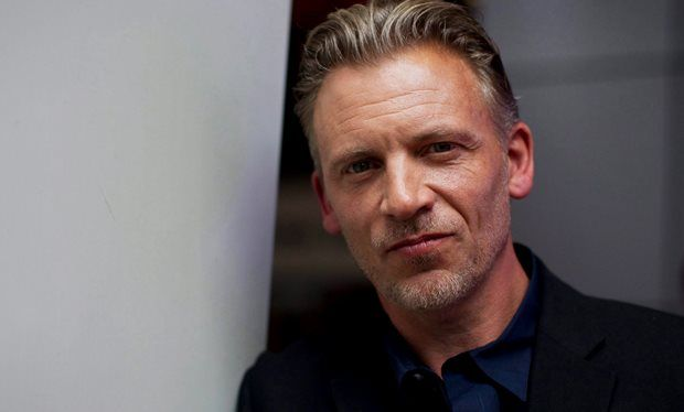 Callum_Keith_Rennie_to_play_Anastasia_Steele_s_dad_in_Fifty_Shades_Movie http://www.anastasiasteeleandchristiangrey.com/fifty-shades-of-grey-cast-callum-keith-rennie-as-anastasia-steeles-stepfather/