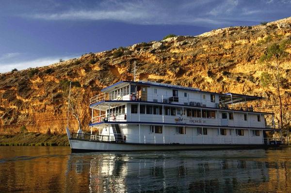 Cruising Murray River