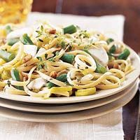 Linguine with Green Beans and Goat Cheese: Food Recipes, Goats Chee Recipes, Pasta Meals, Goats Cheese Recipes, Pasta Dishes, Fast Recipes, Green Beans, Favorite Recipes, Goat Cheese