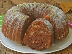 Yaş pasta lezzetinde, yumuşacık dokusu ve mis gibi kokusu ile nefis bir kek tarifi...