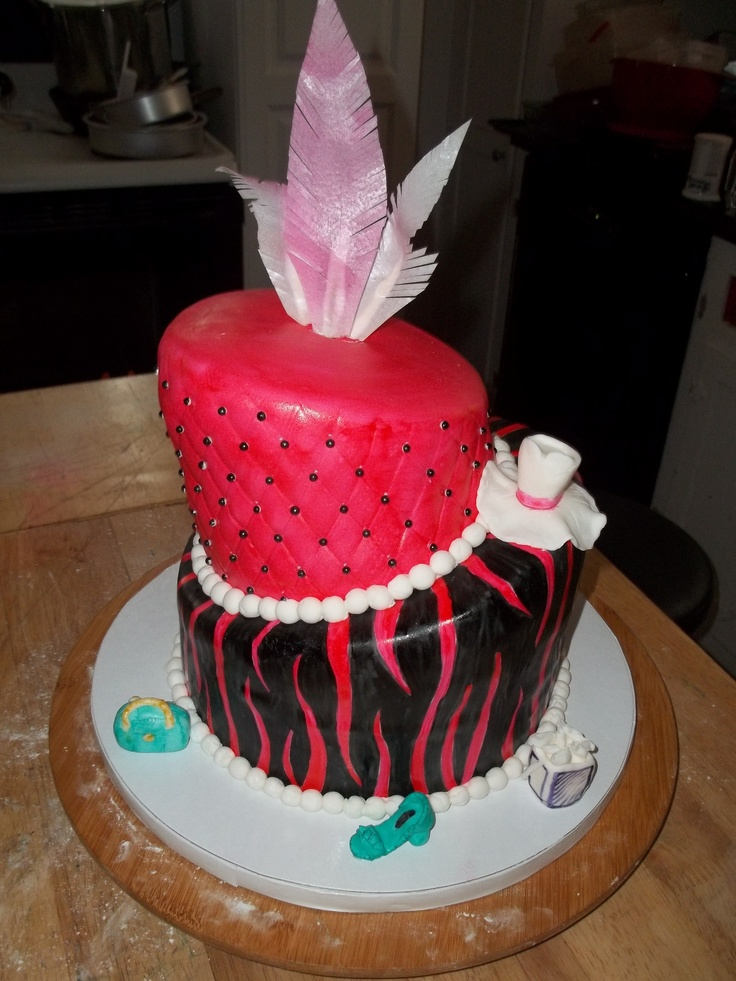 diva birthday cake completely edible birthday cake top tier is 3579