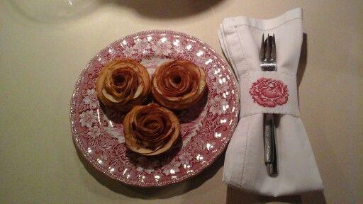 Μηλοπιτάκια τριαντάφυλλο και το δεσιμό της πετσέτας ασορτί σταυροβελονιά.!
