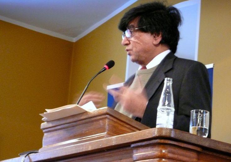 """Ten esej to krotki opis zawartości książki """"Wy I AM not a Mulim"""" napisanej przez Ibn Warraq i opublikowanej przez wydawnictwo Prometheus Books w roku 2013 (drugie wydanie). Esej zawiera tylko opis głównych faktów i opinii Ibn Warraqa bez komentarzy autora eseju. Esej jest neutralnym sprawozdaniem a nie recenzją książki.    Ibn Warraq urodził się w Indiach i wraz z rodziną emigrował do nowo utworzonego Pakistanu. Studiował w Szkocji na uniwersytecie w Edynburgu język arabski i Koran. Po…"""