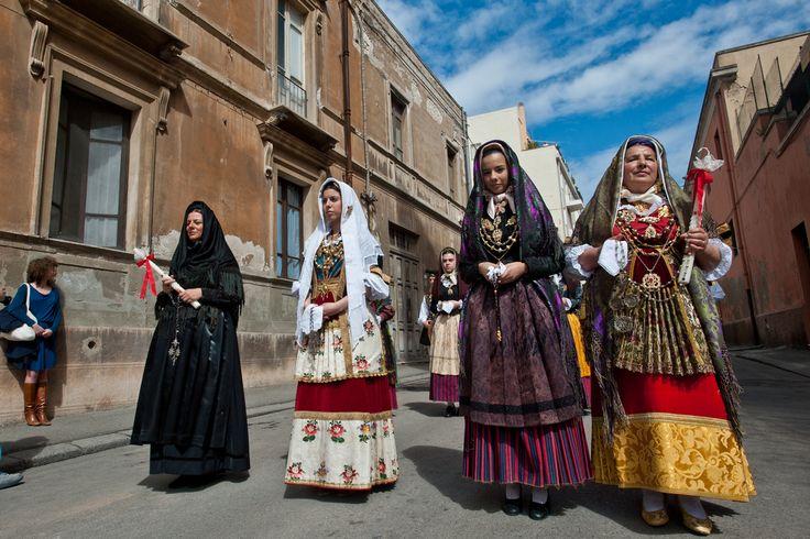 Costumi femminili di Quartu   by alecani