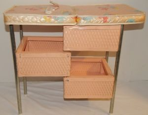 Vintage 1960u0027s Badger Wicker Basket Baby Doll Changing Table Nursery  Furniture