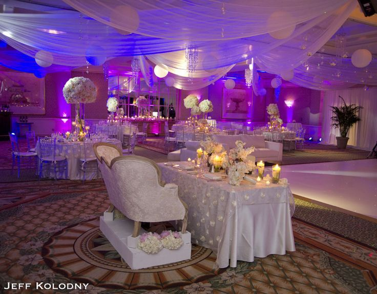 i like the bride groom table destination wedding photographer i can tell you the four seasons hotel located in palm beach has many beautiful areas