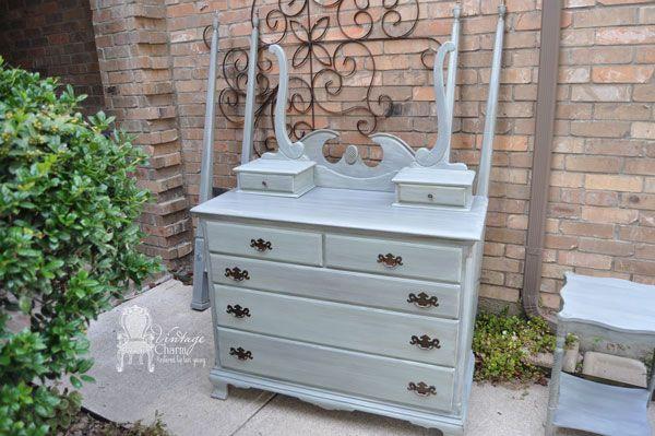 Grey Vintage Bedroom: Distressed Gray Antique Painted Bedroom Suite