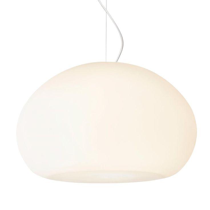 De Fluid Hanglamp van Muuto is geïnspireerd op de vorm van een waterdruppel. Net als een druppel heeft de lamp zachte, natuurlijke rondingen. De Fluid geeft helder licht, dat door het opaalglas alle kanten op schijnt. Zo mooi!