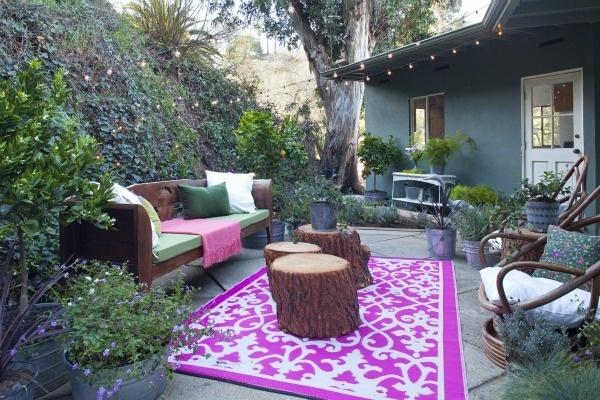 Love Emily Hendersons outdoor room
