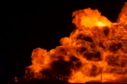A TransCanada natural gas pipeline exploded and caught fire in the Canadian province of Manitoba on Saturday, cutting off gas supplies for 4,000 residents during sub-zero temperatures.