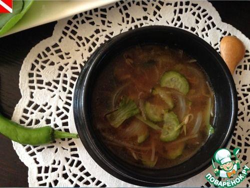 Мисо-суп с тофу, пак чой, морской капустой, соевыми ростками