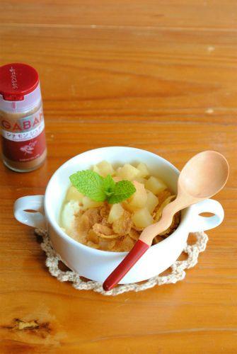 朝ごはんにピッタリ!煮リンゴと シリアルのヨーグルト和え ☆ by ...