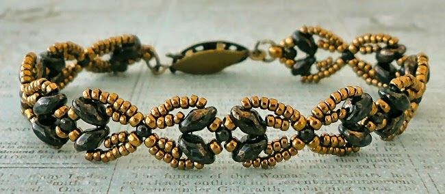 """NOUVEAU SUPERDUO CHAIN BRACELET   15/0 seed beads Miyuki """"Dark Bronze"""" (15-457D)  11/0 seed beads Miyuki """"Dark Bronze"""" (11-457D)  8/0 see..."""