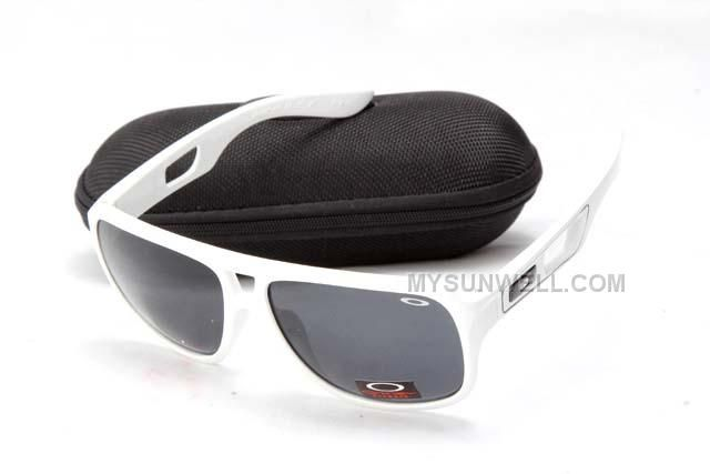 http://www.mysunwell.com/oakley-dispatch-ii-sunglass-8895-white-frame-black-lens-cheap.html Only$25.00 OAKLEY DISPATCH II SUNGLASS 8895 WHITE FRAME BLACK LENS CHEAP Free Shipping!