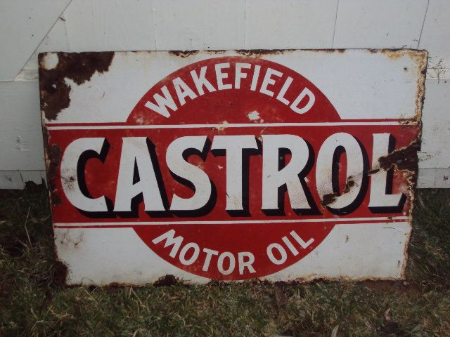 Gary Dowell's website thevintagegarage, vintage garage collectables, old enamel signs, oil tins, petrol pumps, pump globes, automobilia , AC...