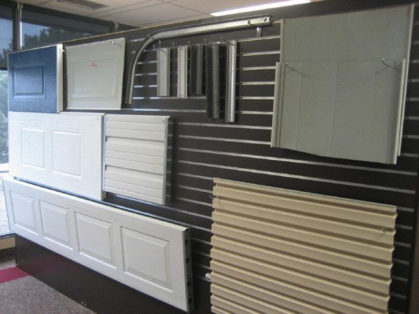 Things to Consider When Doing Garage Door Replacement #Garage door replacement panels