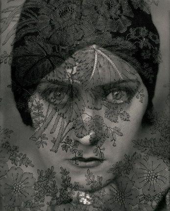 Эдвард Штайхен. Актриса Глория Свенсон. 1924. Courtesy Condé Nast Archive. © 1924 Condé Nast Publications