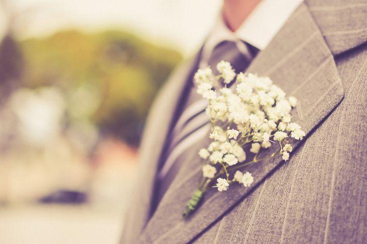 Casamento Alana&Augusto / casamento romântico vintage / flor na lapela / lapela mosquitinho / lapela Gypsophila / lapela padrinhos / casamento de dia / wedding