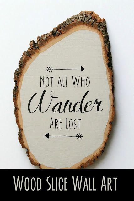 """DIY hout stukje kunst aan de muur.  """"Niet iedereen wie wandelen verloren"""""""